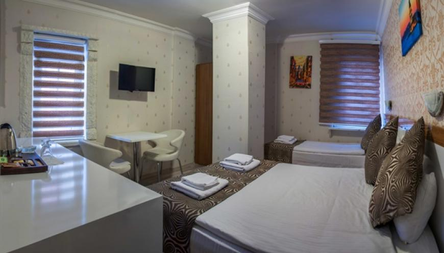 DOUBLE ROOM - LARGE ROOM